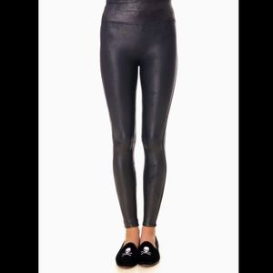 SPANX Faux Leather Leggings. NWT. Size Medium